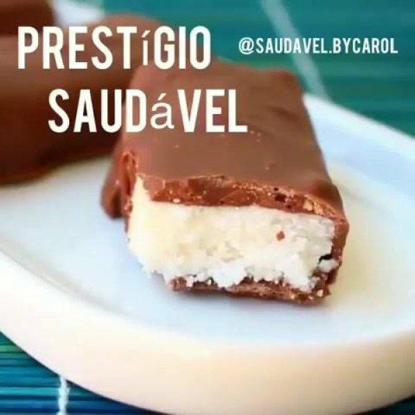 Chocolate com recheio de coco fácil de fazer e super saudável!