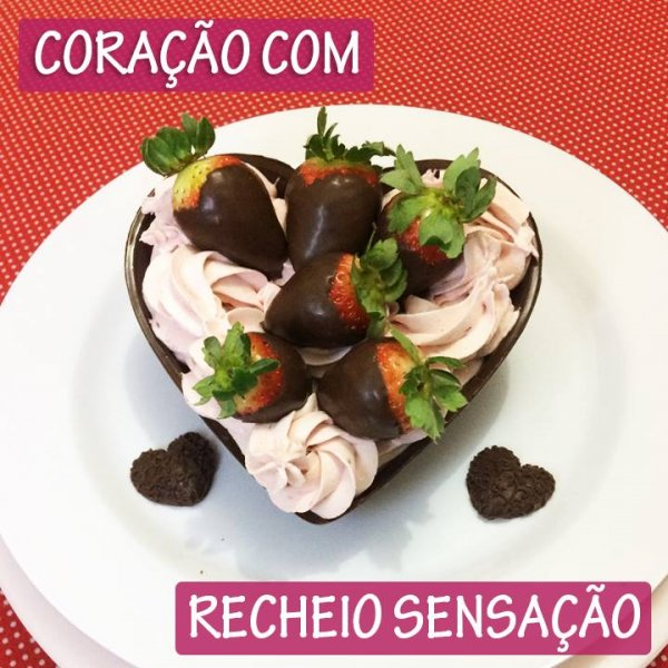 Coração de chocolate com recheio de morango, especial para dia dos namorados!