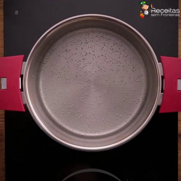 Cupcake de Ovo, uma surpresa a cada mordida, surpreenda sua família!