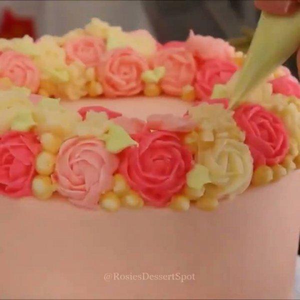 Decorações de bolos incríveis, vale a pena dar uma olhada para se inspirar!
