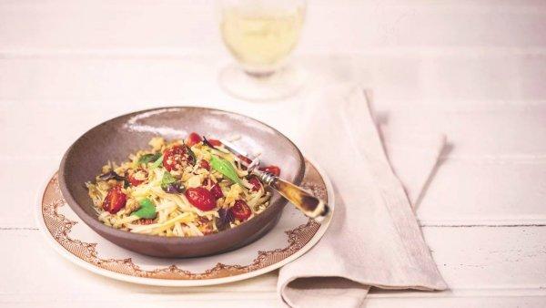 Espaguete de Pupunha com Tomate e Nozes, para um almoço leve!