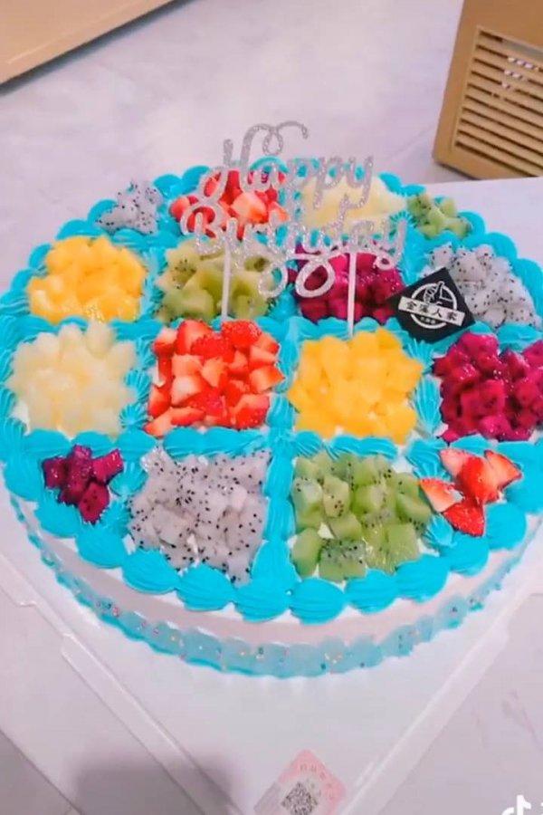 Ideias de decorações de bolos simples e que ficam lindas, confira!
