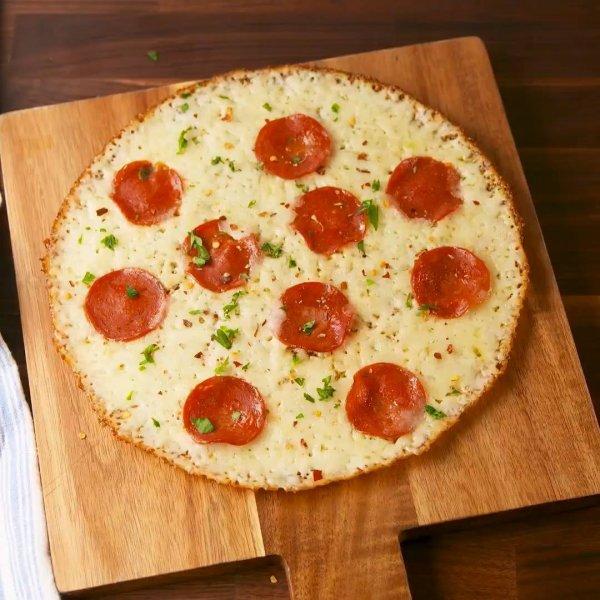 Low Carb - Uma ideia de pizza para matar sua vontade de comer essa delicia!