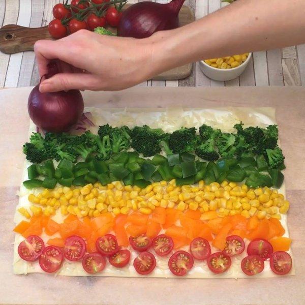 Pizza arco-íris, uma receita diferente e super saudável, confira!