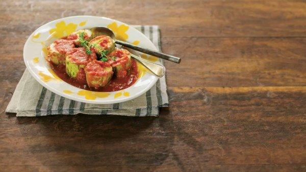 Receita de abobrinha cozida no molho de tomate com tomilho!!!