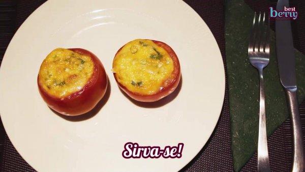 Receita de omelete com tomates e queijo, leve e super fácil de fazer!!!