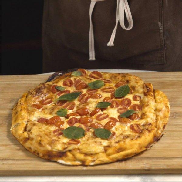 Receita de Pizza recheada com queijo, para desviar da rotina!