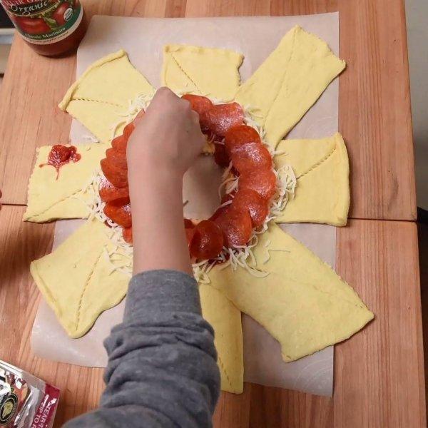 Receita de Pizza Ring, aquela que é feita em formato de anel!