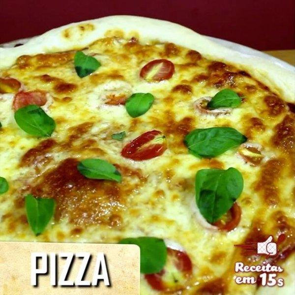 Receita simples de pizza, da massa ao recheio, fica muito bom!