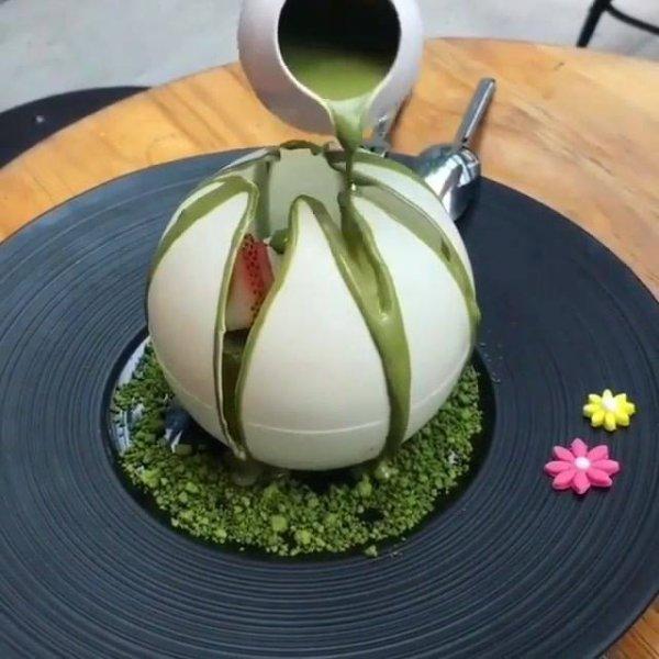 Sobremesa maravilhosa, parece uma obra de arte de tão bonita!!!